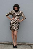 Tan Vintage Dresses
