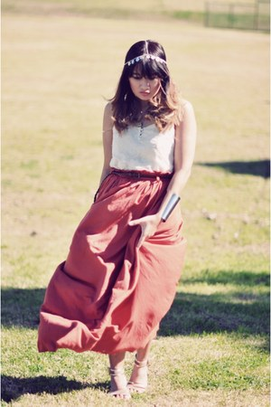 burnt orange miss cherry skirt - off white chicabooti top