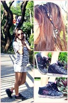 Red Logo blouse - zoo york shoes - Guess shorts - Naf Naf sunglasses