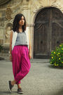 White-guess-vest-black-top-pink-pants-brown-keds-silver-tiffany-co-bra
