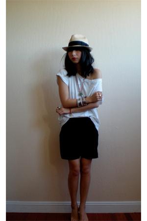H&M t-shirt - Vena Cava shorts - Bijules accessories - Iosselliani accessories