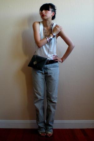 Levis jeans - H&M top - Marc Jacobs shoes - Treasure Chest vintage purse