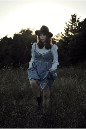 blue modcloth dress - white vintage blouse - brown vintage hat - brown Jeffrey C