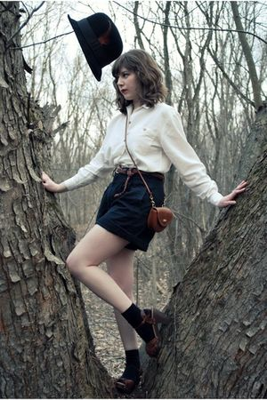 brown clogs miz mooz shoes - black Target hat - brown vintage coach bag