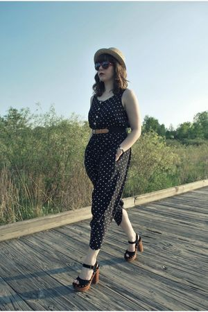 black vintage pants - red Urban Outfitters sunglasses - black vintage belt - bla