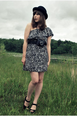 black Spotted Moth dress - black vintage belt - black Target hat - black Jeffrey