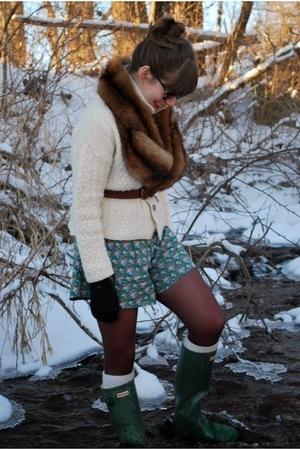 white vintage sweater - green lulus shorts - brown vintage scarf - brown Target
