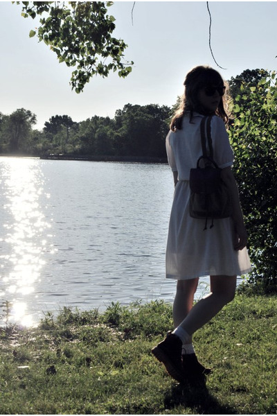white vintage dress - brown boots - brown vintage purse - white Urban Outfitters