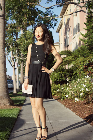 black summer lbd H&M dress
