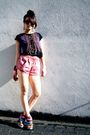 Pink-shorts-black-zara-shirt-brown-lumedisco-shoes