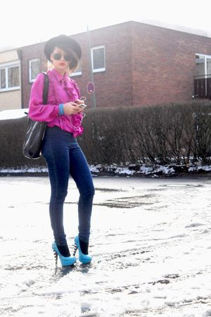 pink vintage blouse - blue platformsd Lumedisco shoes - blue waisted Monki jeans