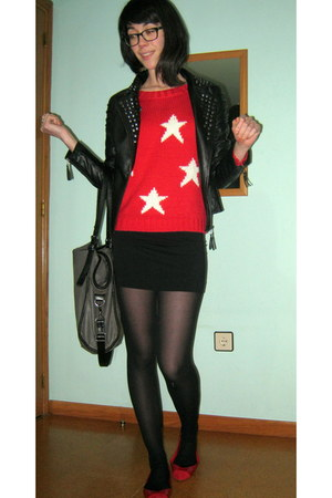 black pull&bear jacket - red stars c&a sweater - charcoal gray Bershka bag