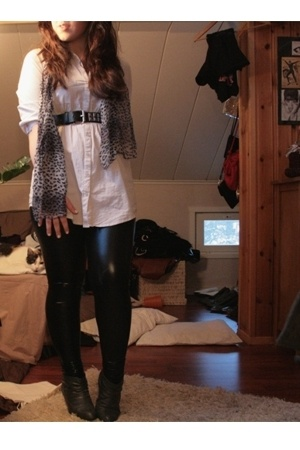 H&M blouse - Urban Outfitters leggings - shoes - 2nd Hand scarf