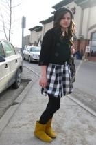 Urban Behaviour coat - hat - Sirens dress - Spring boots
