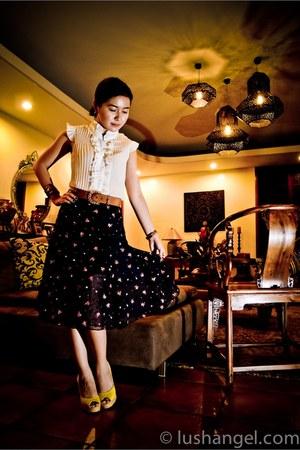 Colin Stuart wedges - floral vintage skirt - vintage belt - ruffled pleated 101