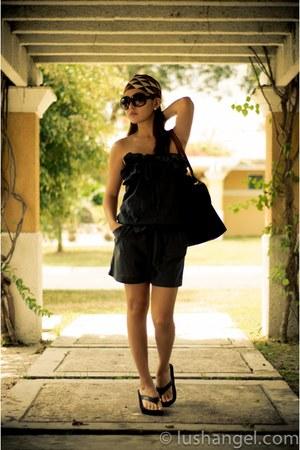 KAT Collection scarf - le pliage longchamp bag - cotton on sunglasses - glittere