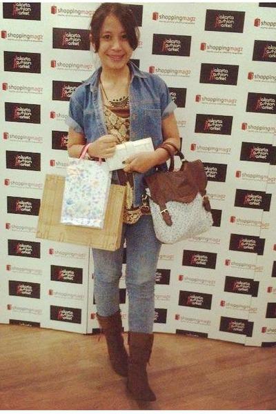 boots - jeans - bag