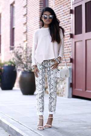 python print H&amp;M pants - pink pullover H&amp;M sweater - coach bag