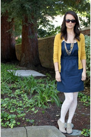 beige seychelles shoes - navy Gap dress - white Urban Outfitters tights - gold T