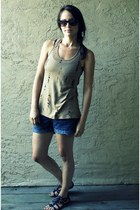 camel threadsence shirt - navy Gap shorts - black Aldo sandals