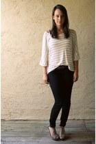 navy Armani Exchange jeans - cream Therapy shirt - camel threadsense heels