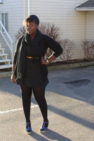 blue Hot Kiss shoes - black La Senza dress - black American Eagle sweater