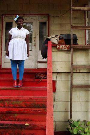 white dress - white shirt - turquoise blue Old Navy stockings - carrot orange H&