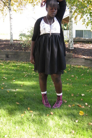 shoes - skirt - American Eagle t-shirt