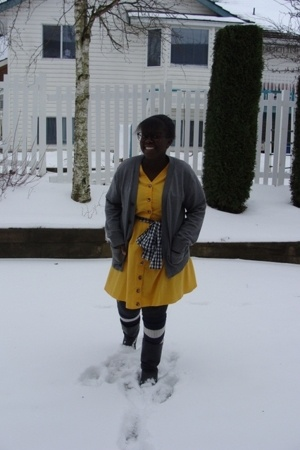 yellow dress - black thrifted boots - gray Gap sweater