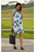 black H&M bag - white chiffon dress - forest green vintage Gucci watch