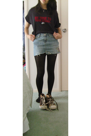 nike shirt - some random Asian supplier skirt - K Mart tights - Converse shoes