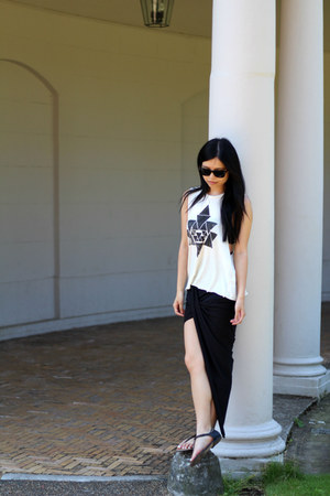 black Alice  Pink skirt - off white brandy melville top - black Zara sandals