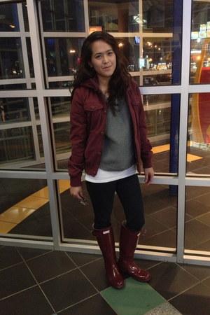 maroon hunter boots Hunter boots - maroon winter jacket TNA jacket