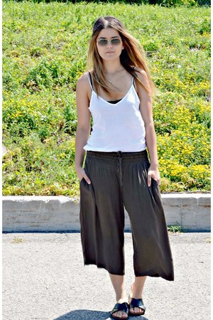 army green culotte Ardene pants - white tie up boutique top