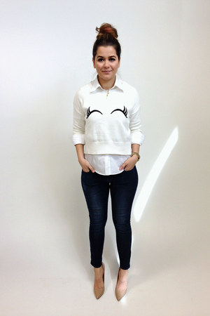 white embroidered Zara sweater - navy skinny jeans Uniqlo jeans
