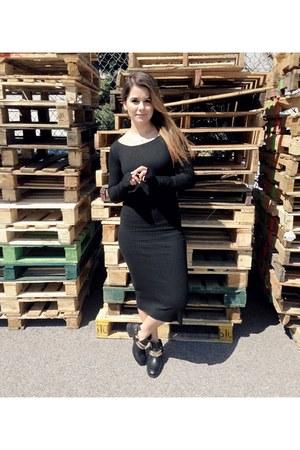 black Zara boots - black black midi Zara dress