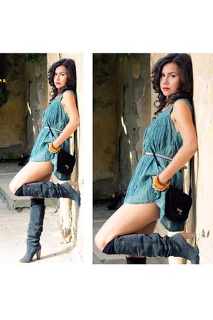 Zara boots - vintage bag - vintage blouse