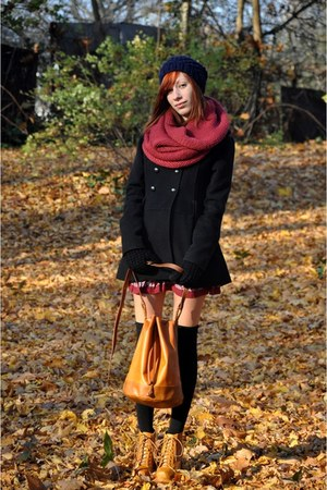 burnt orange bag - black coat - ruby red scarf - burnt orange heels