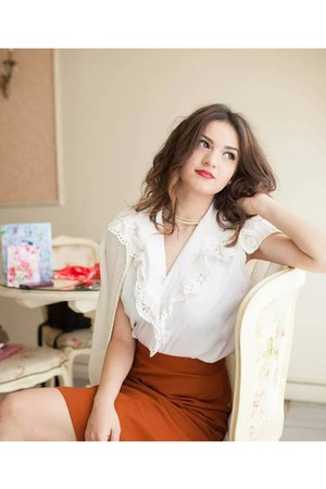white vintage sweater - white vintage shirt - tawny vintage skirt