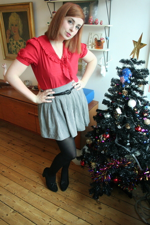 red Vintage from Strawberry Koi blouse - black Vintage from Clever Nettle skirt