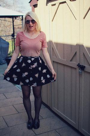 black floral skirt vintage skirt - black silks tights