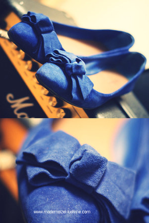 blue bows suede Cosmoparis shoes