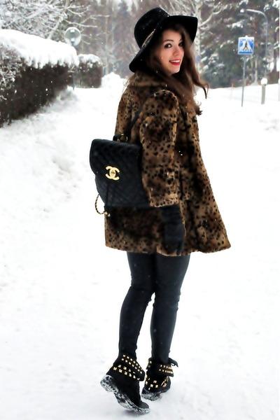 Chanel bag - H&M hat