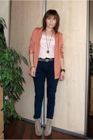 H&M blazer - H&M t-shirt - Zara pants - NYLA heels