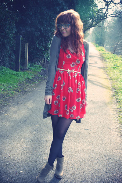 camel new look boots - red In Love with Fashion dress - dark khaki mado cardigan