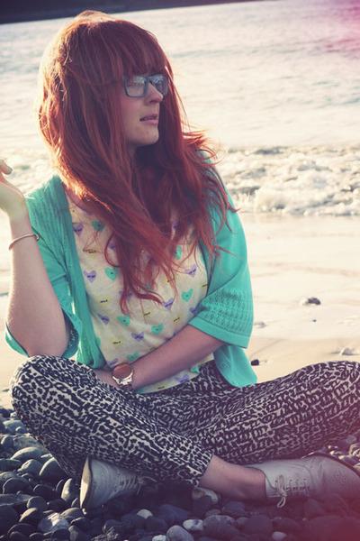 sky blue River Island t-shirt - black H&M pants - aquamarine Bellissima cardigan