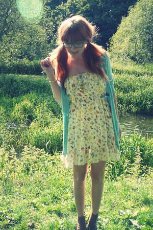 off white Liberty Blue dress - light blue Matalan cardigan