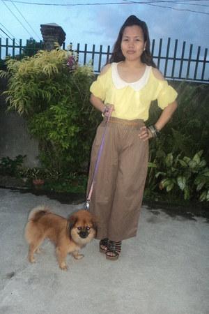 yellow top - brown pants - black wedges