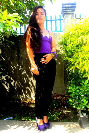 purple bustier top - deep purple pumps - black pants