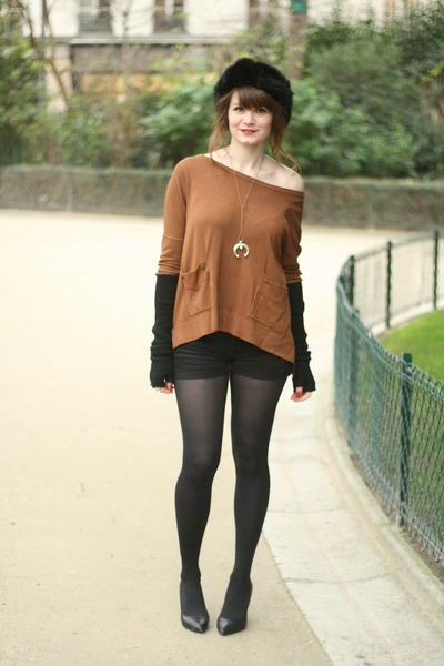 tawny By Zoe sweater
